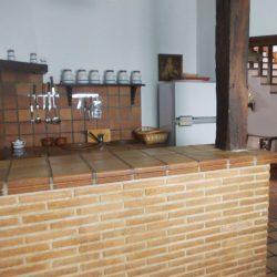 casa-rural-fuente-el-fresno-detalle-cocina